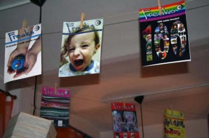 Freaks in bella mostra alla festa per il numero 100 del giornale