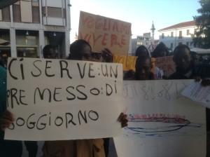 Manifestazione pacifica a Pordenone, sabato 7 marzo 2015  ©Laura Poretti Rizman foto©Laura Poretti Rizman